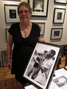 Jane Hearn with her favorite photograph taken by her late husband Jim Lucas