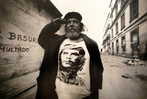 Brayan's photograph of a living revolutionary, T-shirt emblazoned with a fellow photographer's famous Che image
