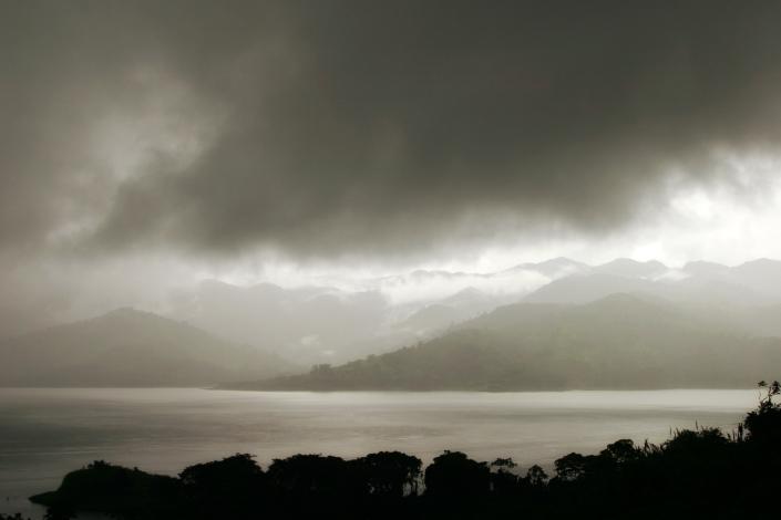 0929b cr lake arenal dusk