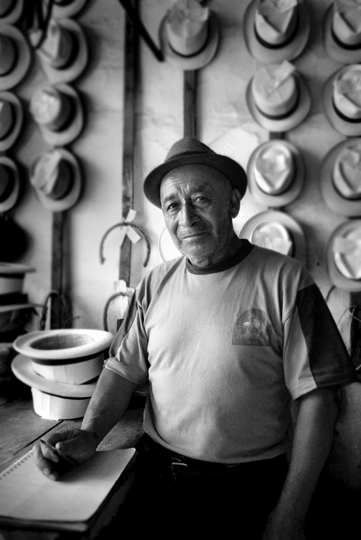 hat maker, equador copy